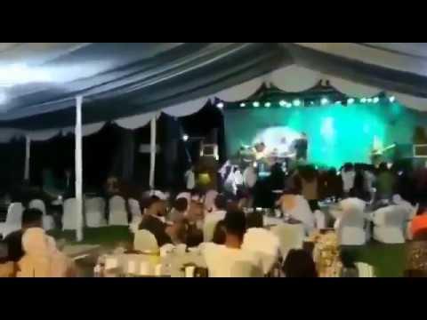 eruzione-tsunami-krakatoa-band-concerto