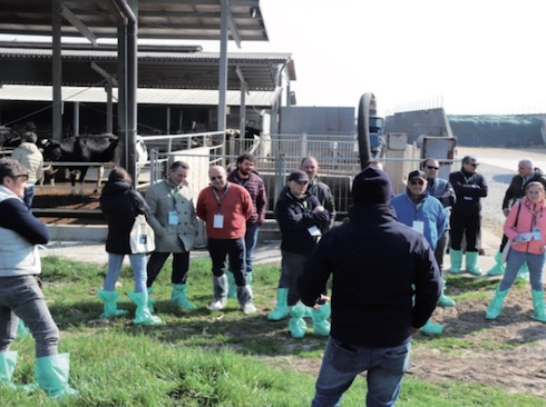 Attraverso un percorso a tappe all'interno dei diversi reparti aziendali, gli ospiti della Dairy farm academy hanno potuto conoscere e analizzare le decisioni manageriali implementate dalla famiglia Locatelli