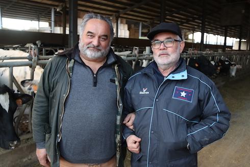 I due direttori tecnici dell'azienda: da sinistra Alessandro Lanari, responsabile delle produzioni zootecniche e agricole, insieme ad Alberto Facco, responsabile delle produzioni agro-energetiche