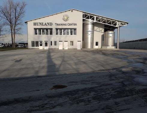 La Hunland Dairy Ltd è di proprietà di Jos Janssen, amministratore delegato del Gruppo Hunland
