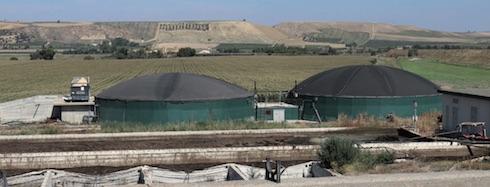 L'impianto per la produzione del biogas lavora solo con deiezioni animali, una scelta imprenditoriale ed etica
