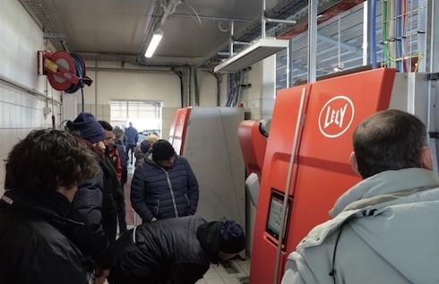 Al Lely day hanno partecipato duemila allevatori, curiosi di vedere all'opera il nuovo robot
