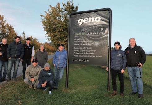 Lo staff di Abs Italia in visita al centro tori Geno in Norvegia