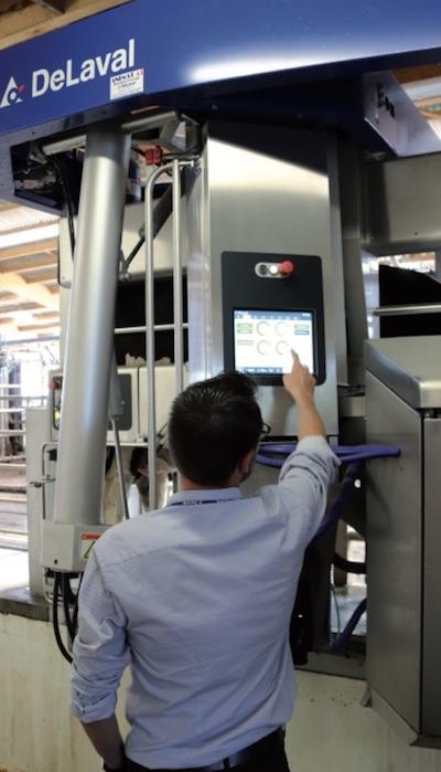 Nel VMS™ V300 il pannello di controllo touch screen è opzionale. 'Siamo i primi ad averlo messo e i primi ad averlo eliminato', sottolineano alla DeLaval