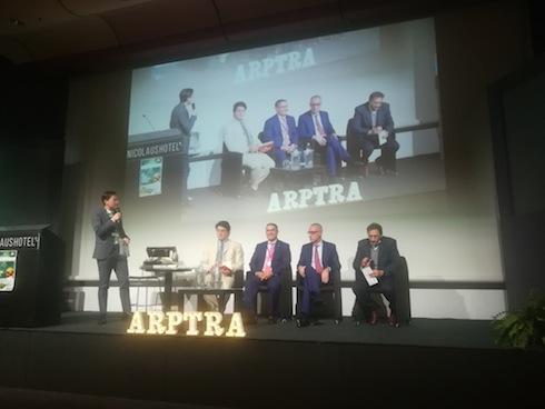 Un momento della tavola rotonda. Da sinistra a destra: Riccardo Mazzucchelli, Thaer Yaseen, Albert Ancora e Pierferdinando Lanotte