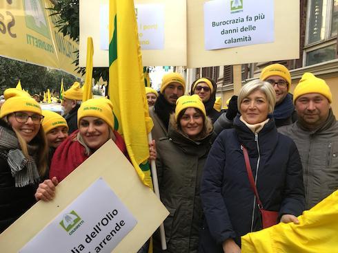 Agricoltori toscani a Roma durante la manifestazione del piano salvaolio
