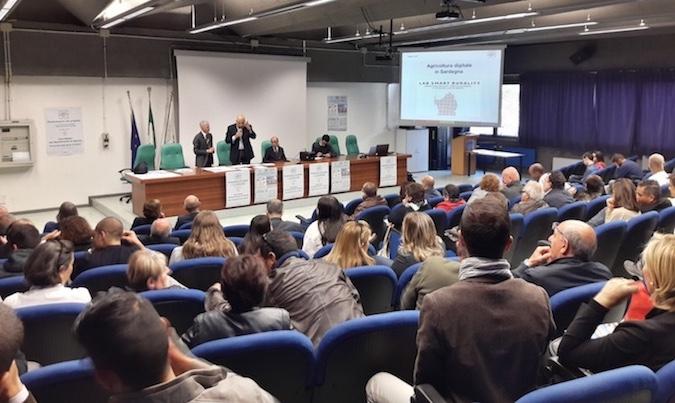 un momento dell'evento: interviene Paolo Acone dirigente dell'istituto pellegrini