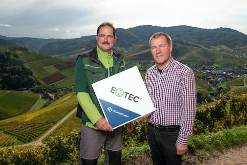È sufficiente parlare con solo uno dei migliaia di agricoltori e tecnici che lo hanno utilizzato in tutti questi anni e farsi raccontare, da loro, i risultati ottenuti con Entec®.