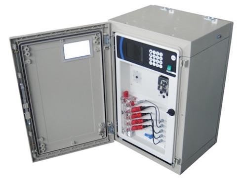 Centralina di monitoraggio dei parametri elementari della qualità dell'acqua