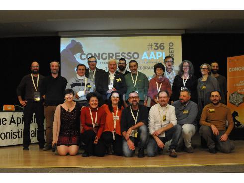 foto di gruppo degli organizzatori del congresso