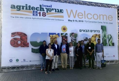 La delegazione Conaf all'ingresso della fiera Agritech a Tel Aviv