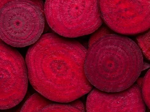 Barbabietola rossa o rapa rossa, una Chenopodiacea e Amarantacea