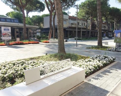 Immagine 3 – Dettaglio aiuole con funzione di rain garden - viale Matteotti, Milano Marittima