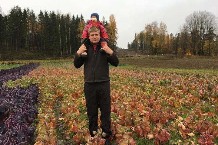 Gustav Hilden insieme alla figlia