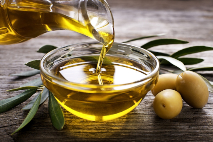 L'olio di oliva ha comprovate qualità salutistiche e nutraceutiche