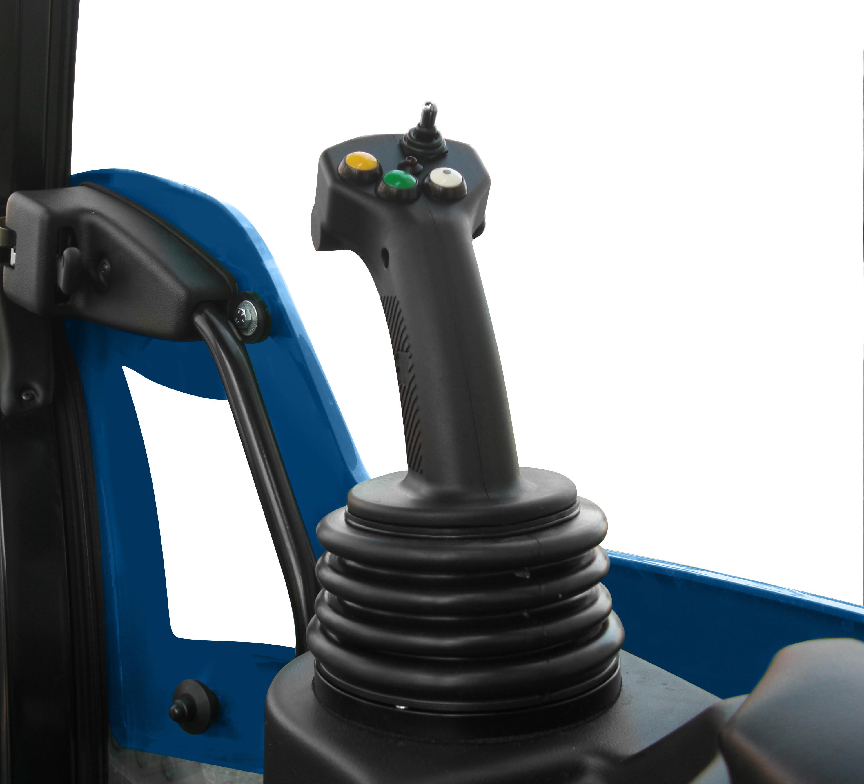 Il joystick a comando elettronico è posto come bracciolo a destra dell'operatore