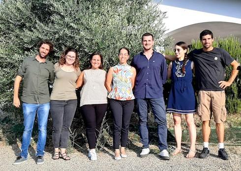 Team di giovani del Frantoio Valsanterno