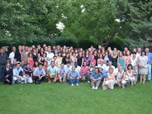 Foto di gruppo di del team Vivai Battistini, a 70 anni dalla sua fondazione