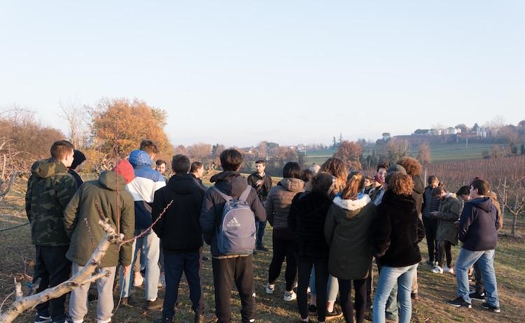 Gli studenti dell'Istituto Scarabelli in campo per un'esercitazione con QdC® - Quaderno di Campagna guidati dallo staff di Image Line nell'ambito del progetto AgroInnovation EDU