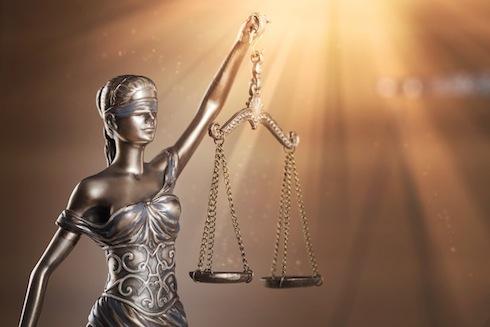 La giustizia: a volte è cieca, come la fortuna (Fonte: billionphotos fotolia)