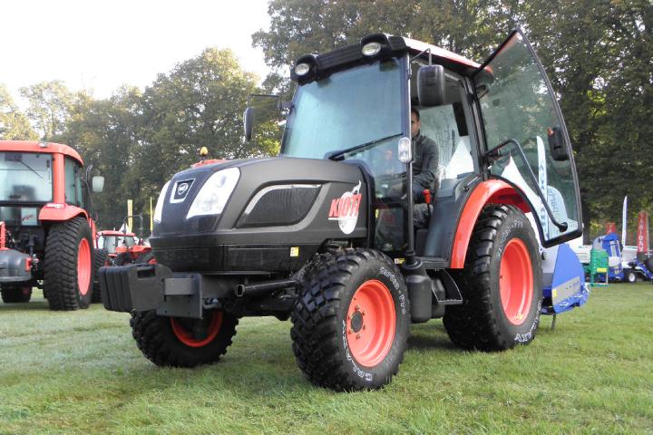 Galaxy Garden Pro R-3+ è pensato appositamente per i trattori utility utilizzati nei vigneti