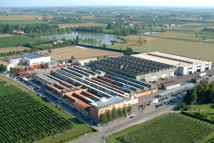 Uno degli stabilimenti produttivi di Arbos in Italia