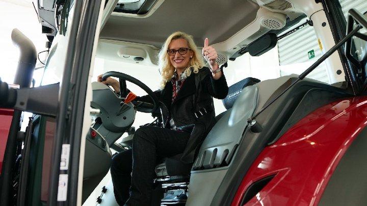 Patricia Pop a bordo del McCormick X7.624 VT-Drive
