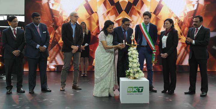 Rituale di accensione della lampada - Inaugurazione sede Ue BKT