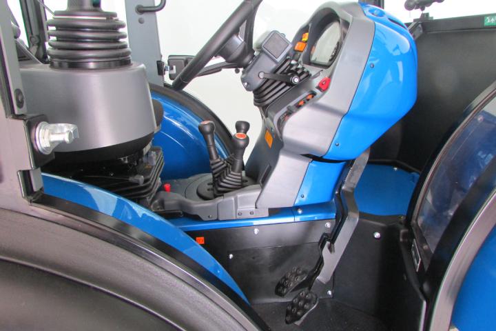 La serie Vithar L80N è dotata di pedali sospesi