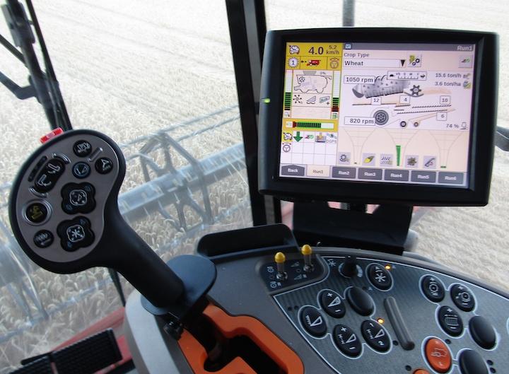 Monitor AFS Pro 700 per la gestione del sistema Case IH AFS Harvest Command™