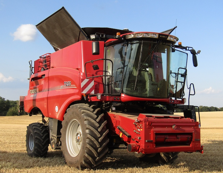 Case IH Axial Flow 7250 con canale elevatore rinnovato