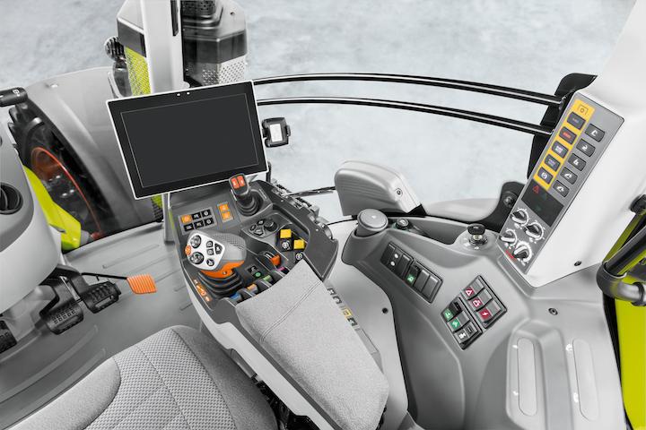 Terminale Cebis e sistema Cemos sui Claas Axion 900 Stage V