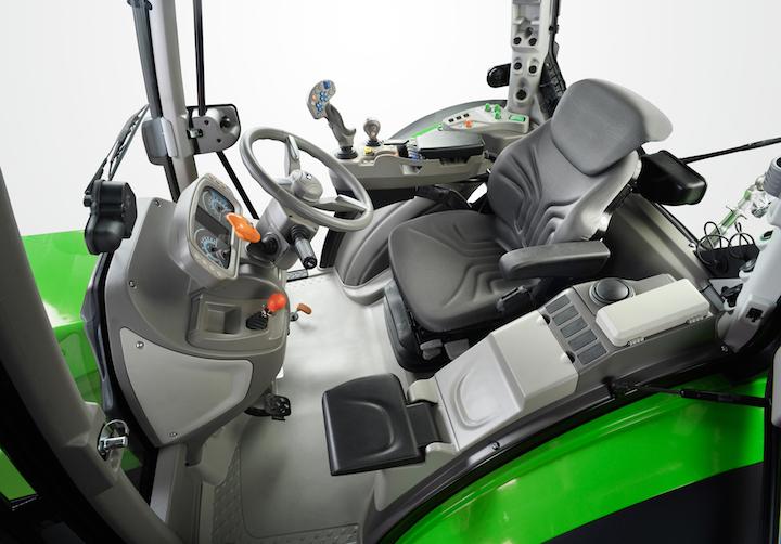Cabina con bracciolo MaxCom su Deutz-Fahr 5D TTV