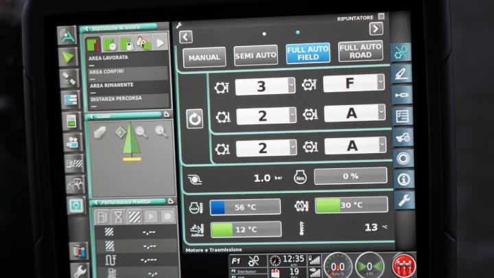 Con la trasmissione full auto si selezionano velocità e stadi massimi e minimi oltre alla marcia di ripartenza