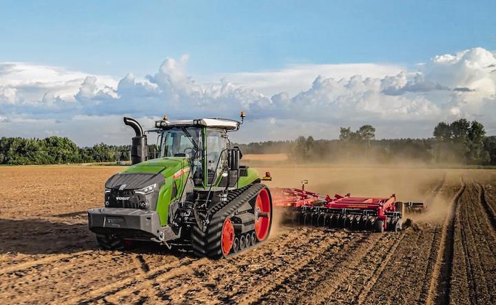 I trattori Fendt 1100 Vario MT gestiscono grandi attrezzi senza difficoltà