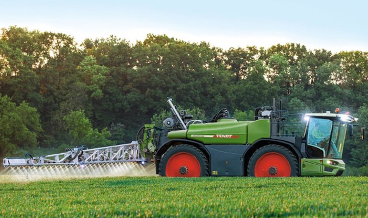 Fendt Rogator 600 in campo