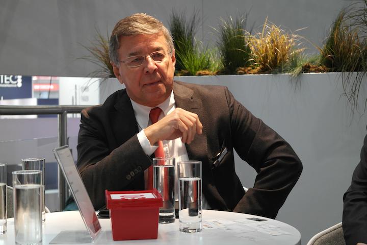 Rafael Massei responsabile commerciale KRAMP Italia in conferenza stampa ad Agritechnica