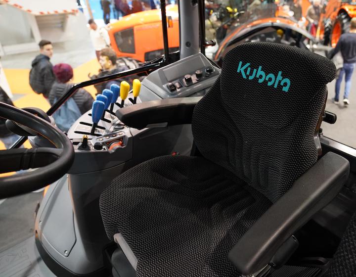 Posto di guida del trattore Kubota M7133