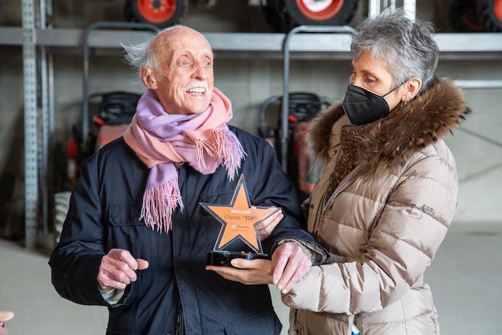 I titolari di Salvi Vivai con il premio Kubota