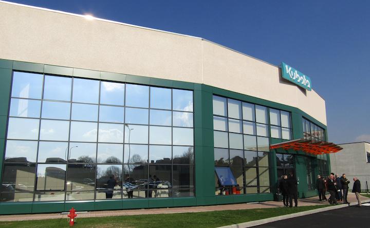 Ingresso della nuova sede di Kubota a Segrate (Mi)