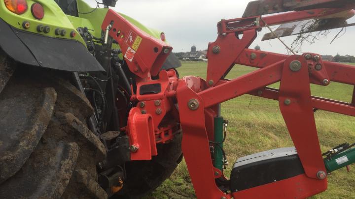 L'innovativo attacco dell'aratro Kverneland Serie 2500