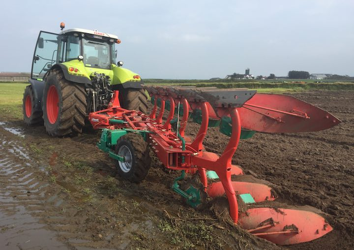 Nuova ruota avanzata sull'aratro 2500 i-Plough