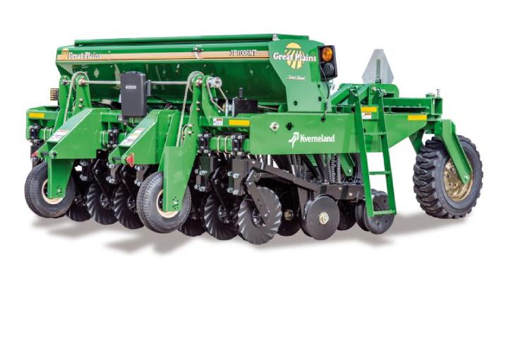 Kverneland Great Plains 3P1006NT può essere portata anche da trattori di bassa potenza
