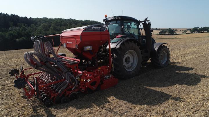 Kverneland e-drill maxi plus in campo