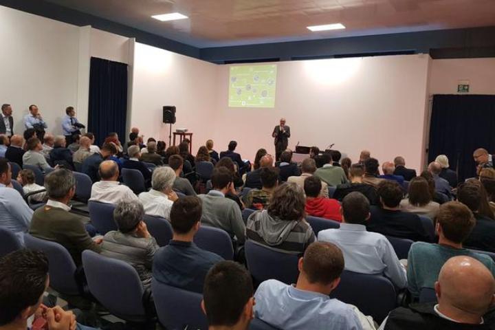 Sandro Battini, direttore commerciale di Kverneland Group Italia, durante l'evento a Cremona