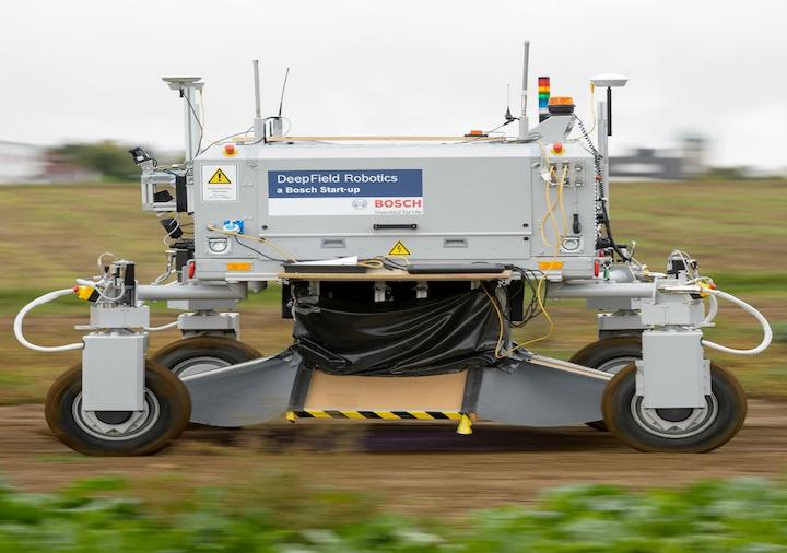 BoniRob, robot progettato da Bosch, Amazone e dall'Università di Osnabruck