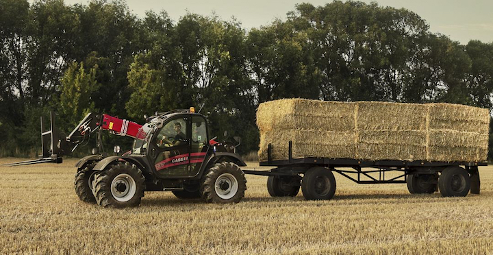 Case IH Farmlift 737 in campo