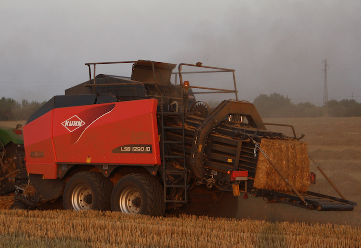 Nuova big baler KUHN LSB 1290 intelligent-Density