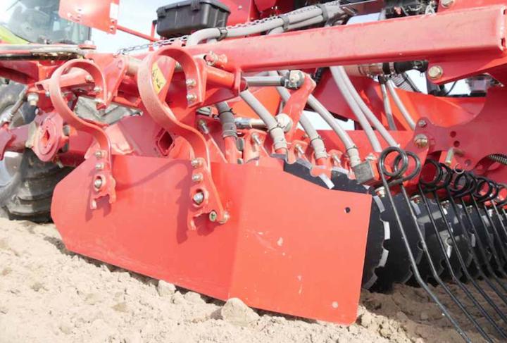Nuovo deflettore laterale della Kverneland U Drill da 4 metri pieghevole