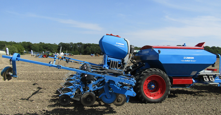Combinata Lemken Azurit 9 - Solitair 12 SW in campo